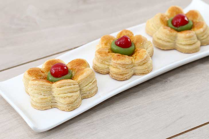 FLOWER  PUFF PASTRY