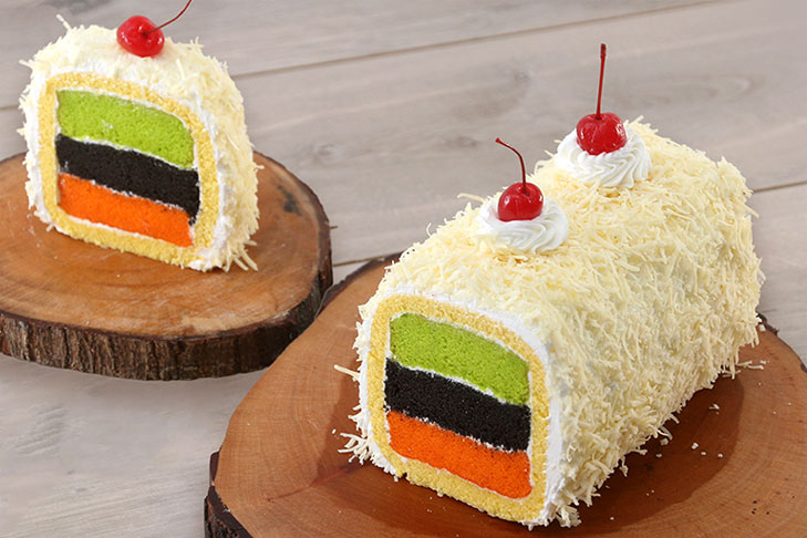 HAPPY COLOR CHEESE ROLL CAKE