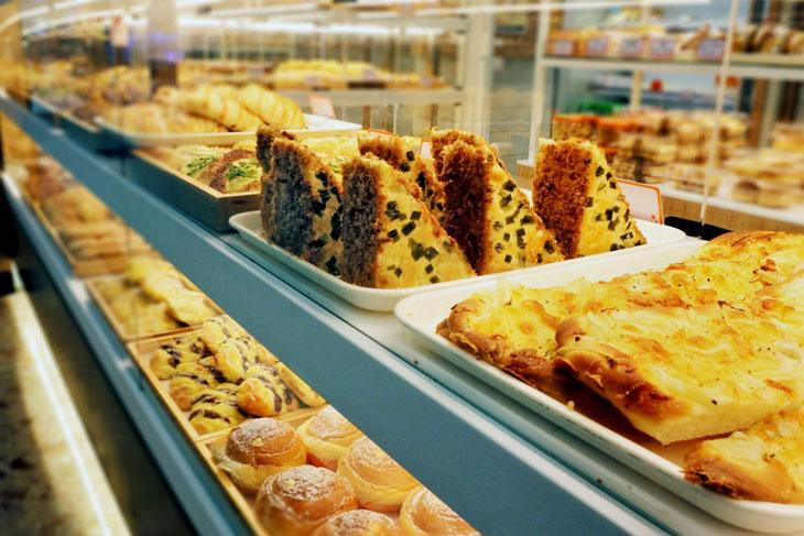 5 BUSINESS STRATEGIES TO INCREASE PREMIUM CAKE SALES IN PANDEMIC ERA