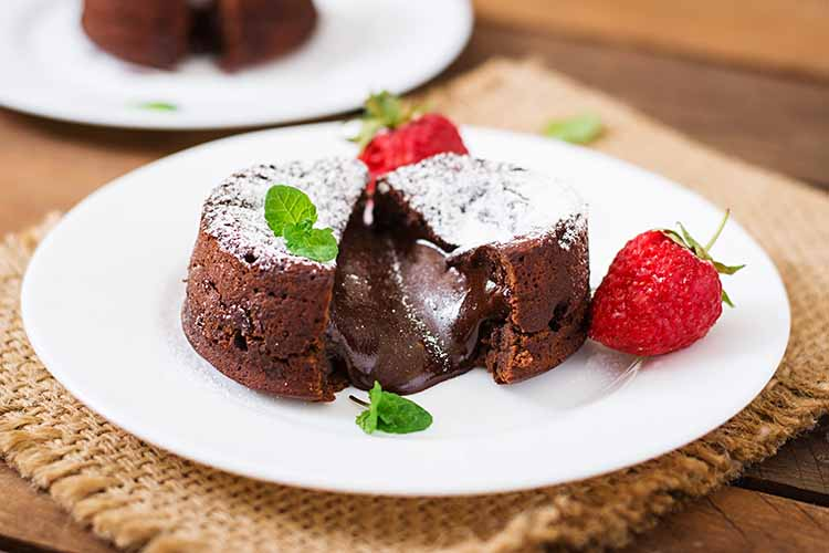 FROM CHOCO LAVA TO KUE BALOK: VARIOUS POPULAR MELTED CAKE RECIPES
